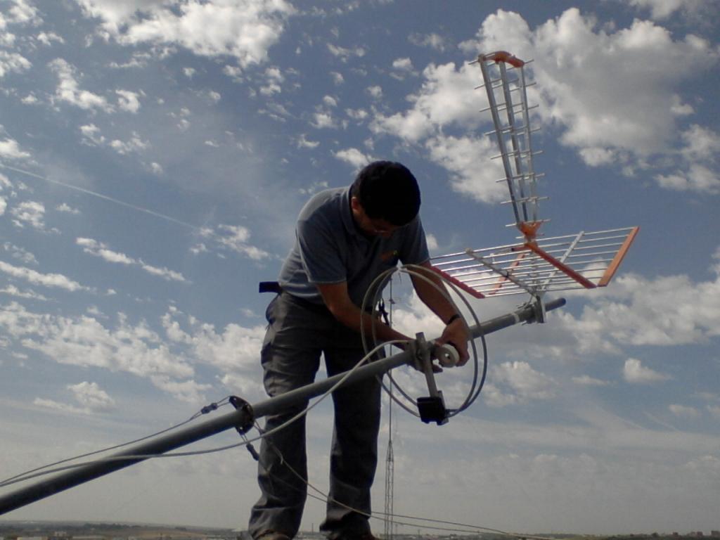 Resultado de imagen de instalar antenas